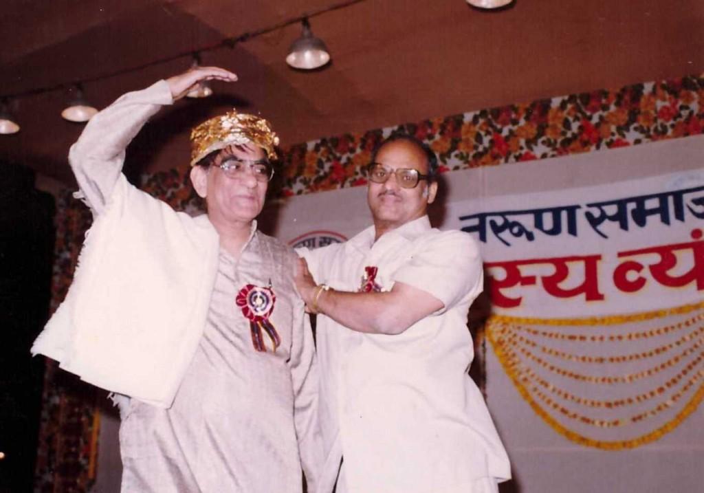 Alhad Bikaneri on Maha Moorkh Kavisammelan Jaipur Stage2